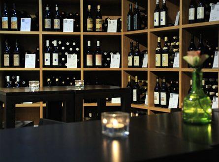 Weinkeller 445x330 - Elie Gazzar S.A. - der Händler für Qualitätsweine