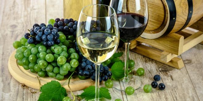 Rotwein und Weisswein 660x330 - Der perfekte Wein zum perfekten Essen